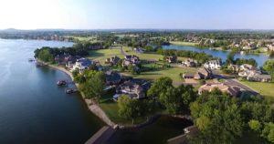 Homes on the edge of Hickory Lake, Gallatin, TN